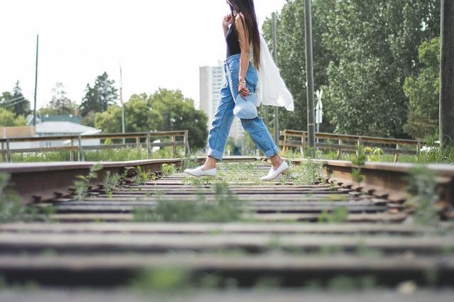 putování v džínách