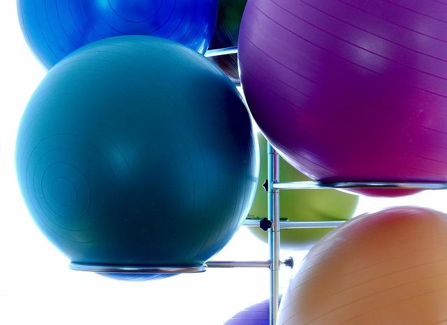 míč na cvičení